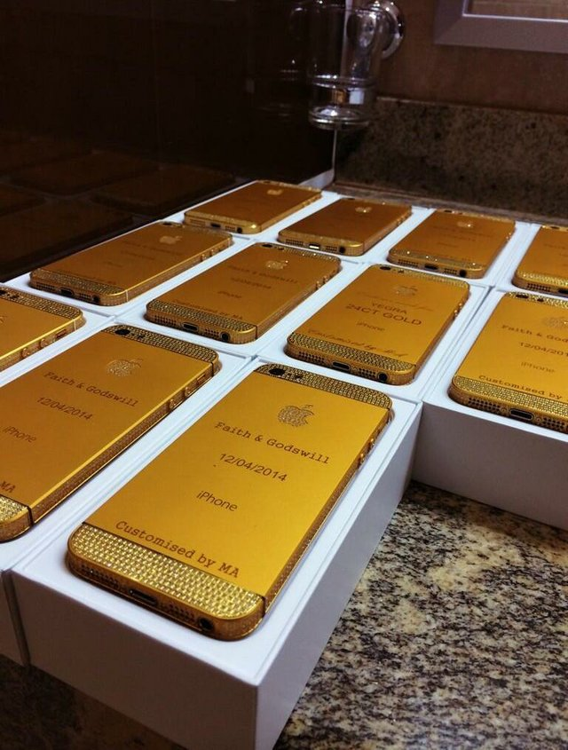 24ct Customised Luxury Iphone 5 Gifts Given To Guests At President