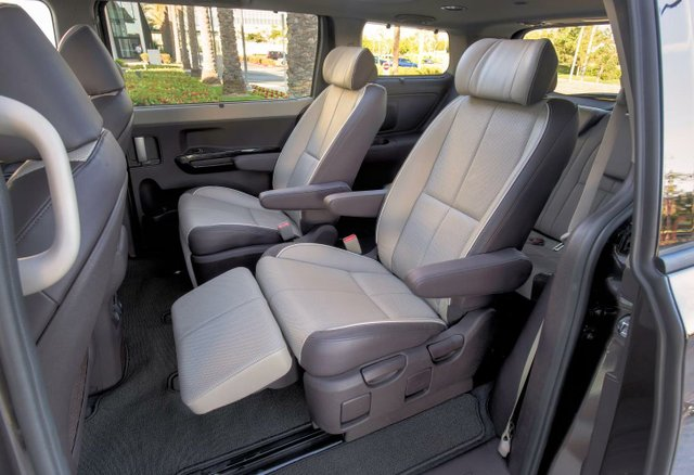 The 2015 Sedona delivers exceptional interior space