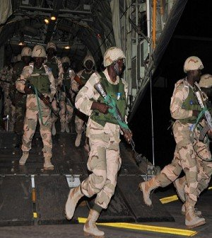 Nigerian troops arrive Mali