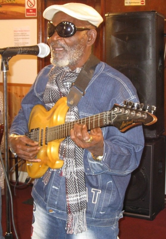 Fatai Rolling Dollar performing at a London event in Dec 2007