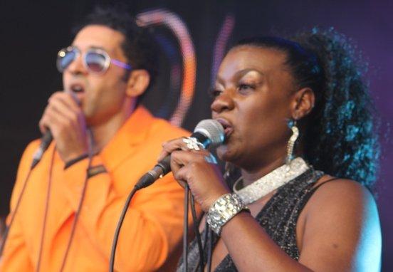 Kelly Rahman & Samantha Scott - Bonny M doing it right on the night
