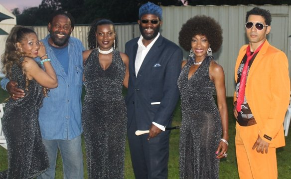 Gee Morris-Osborne, Orman, Sam Scott, Lekan Olujinmi, Maizie Williams & Kelly Rahman after concert