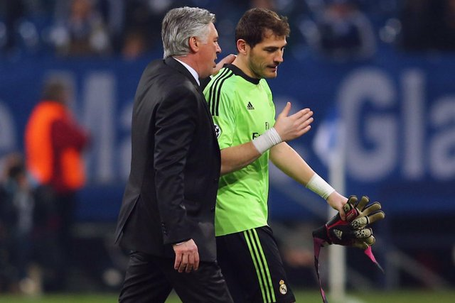 Casillas and Ancelotti.jpg