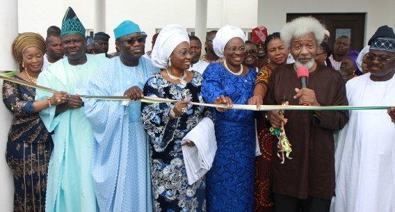 From left to right: Mrs Olufunso Amosun, Senator Ibikunle Amosun, Dr Kayode Fayemi, Erelu Bisi Fayemi, Prof. Modupe Adelabu, Prof. Wole Soyinka and Senator Abiola Ajimobi.