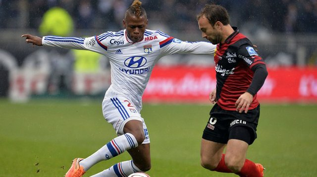Spurs snap up Njie