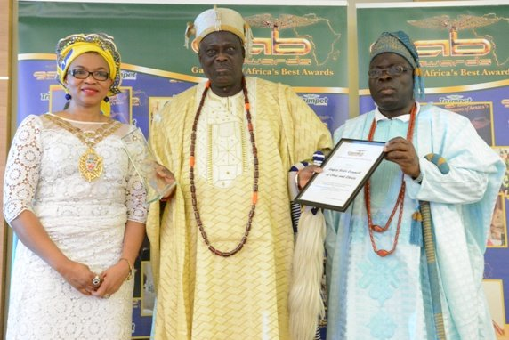Cllr Sade Sobanjo-Etti presented the GAB Award to the Lagos State Council of Obas which received by Oba Fatai Agoro and Oba Babatunde Ogunlaja at GAB Awards 2015