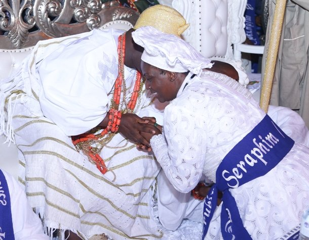 Tête à Tête between the Ooni and Rev Esther Abimbola Ajayi.jpg