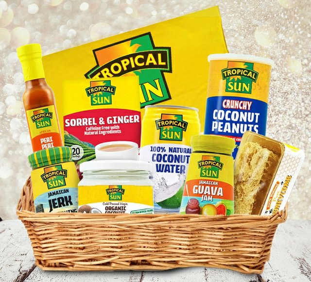 Tropical Sun Luxury Tropical Hamper b.jpg