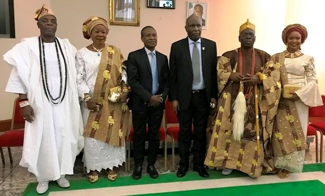 The High Commissioner and Monarch pose with Olori Taiwo Ogunlaja, Deputy High Commissioner - Ambassador Kabiru Bala, Princess and Otunba Adegbuyi