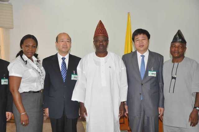 Ogun signs MOU on light rail mass transit