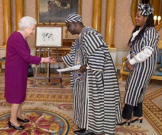 Sierra Leone High Commissioner presents credentials to the Queen