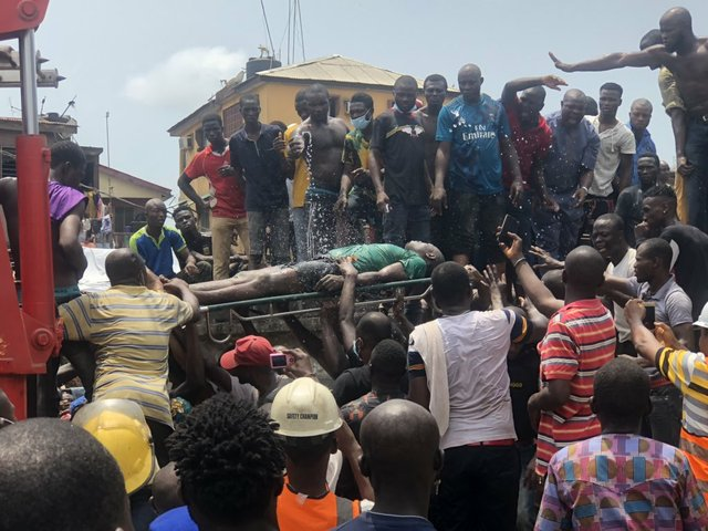 35 Ita-Faji Lagos building collapse 1
