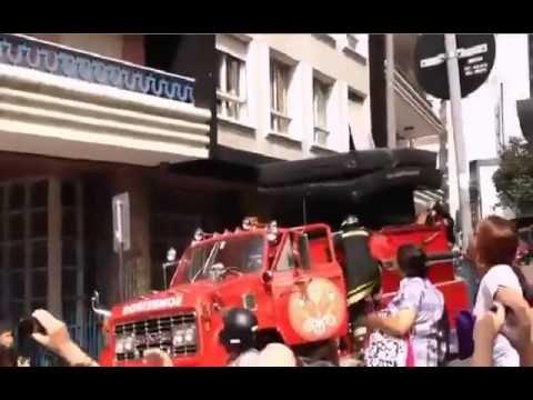 Cheating wife's boyfriend escapes through third floor window