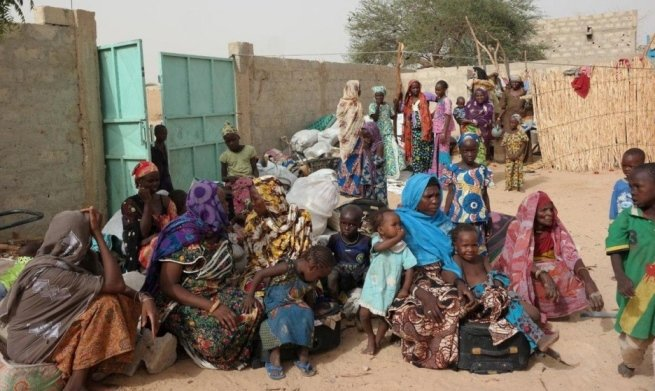 Nigerian refugees seek shelter in Diffa, Niger, in June 2016.
