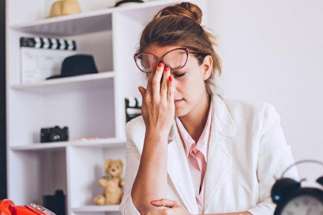 A headache is a symptom of dehydration