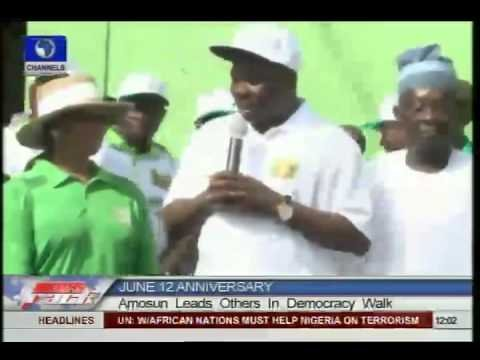 Amosun leads Democracy Walk in Abeokuta