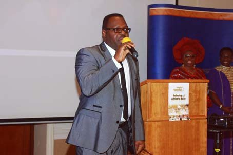Dr Ken Smart Otukoya giving his  acceptance speech.JPG